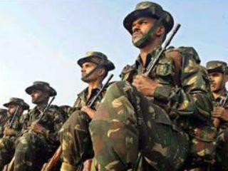 काश्मीरमध्ये पाकच्या गोळीबारात एक सैनिक हुतात्मा