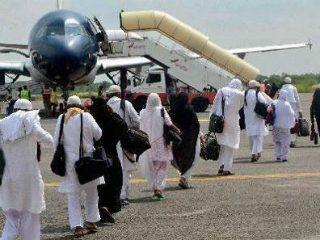 भारतीय हजयात्रेकरूंच्या संख्येत वाढ करण्यासाठी केंद्र सरकार सौदी अरेबियाशी चर्चा करणार