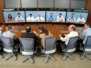शिक्षण विभागाने चालू केलेली १२० पैकी ९७ व्हिडिओ कॉन्फरन्स केंद्र मनुष्यबळाच्या अभावी बंद